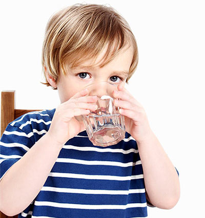 boy-drinking-water